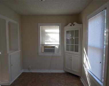 4201 Birchman Avenue - Photo Thumbnail 9