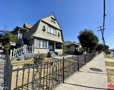 1357 Bellevue Ave - Photo Thumbnail 10