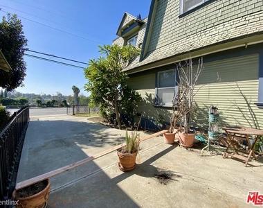 1357 Bellevue Ave - Photo Thumbnail 5