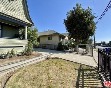 1357 Bellevue Ave - Photo Thumbnail 3