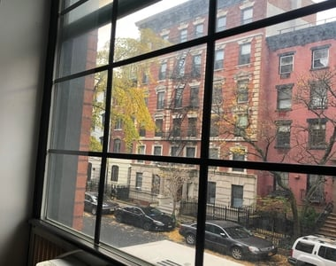 221 East 11th Street - Photo Thumbnail 2