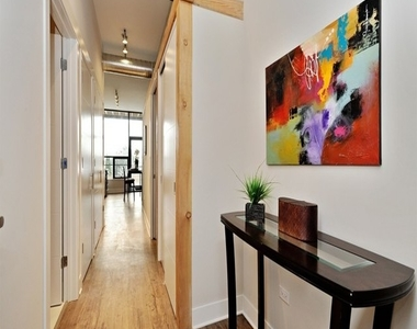 4234 North Western Avenue - Photo Thumbnail 1