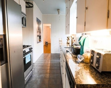 3249 Wabash Avenue - Photo Thumbnail 6