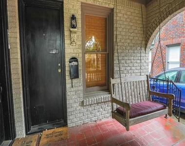 3249 Wabash Avenue - Photo Thumbnail 1