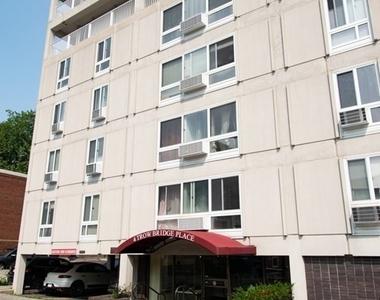 4 Trowbridge Place Unit 4a - Photo Thumbnail 0