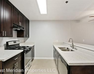 369 S. Columbia Avenue - Photo Thumbnail 6