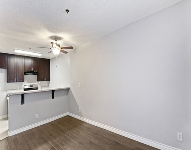 369 S. Columbia Avenue - Photo Thumbnail 0
