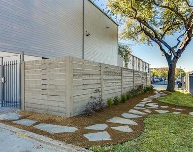 2902 Douglas Avenue - Photo Thumbnail 10