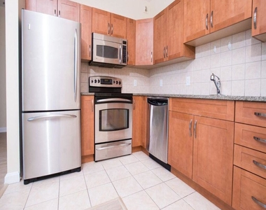 901 N Penn Street - Photo Thumbnail 2