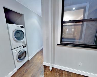 434 West 52nd Street - Photo Thumbnail 2