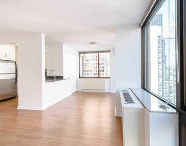 East 39th Street - Photo Thumbnail 3
