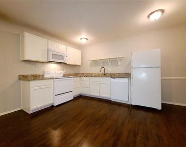 5722 Gaston Avenue - Photo Thumbnail 4