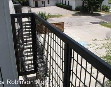 1124 Galveston Avenue - Photo Thumbnail 9