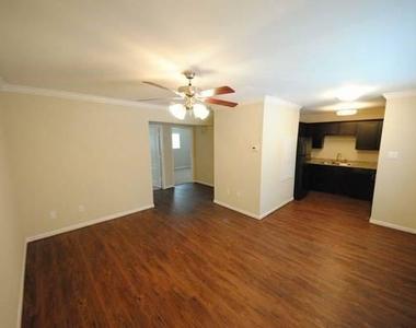 427 W 16 Street - Photo Thumbnail 0
