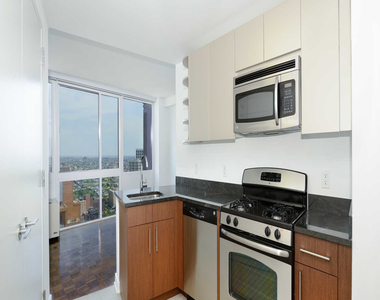 111 Lawrence Street - Photo Thumbnail 5
