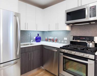 175 Kent Avenue - Photo Thumbnail 4