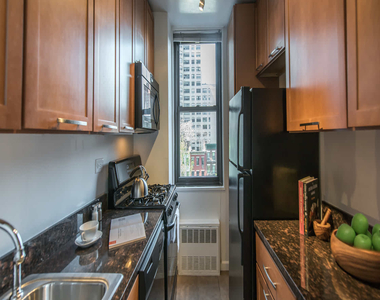 240 East 27th Street - Photo Thumbnail 6