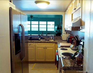 999 Brickell Bay Dr - Photo Thumbnail 7