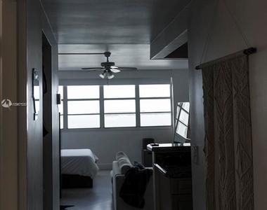 999 Brickell Bay Dr - Photo Thumbnail 4