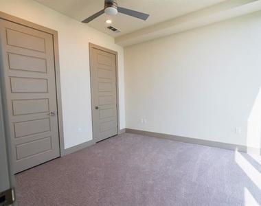 6000 Columbus Avenue - Photo Thumbnail 9