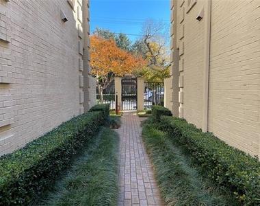 4229 Cole Avenue - Photo Thumbnail 0