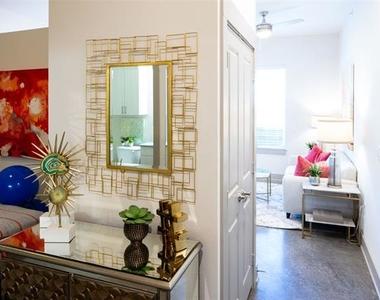 6000 Gaston Avenue - Photo Thumbnail 3