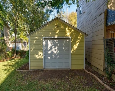 2561 Rogers Avenue - Photo Thumbnail 29