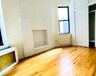 East 89th Street - Photo Thumbnail 1