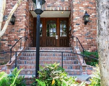 1375 Kelton Ave - Photo Thumbnail 0