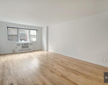 East 27th Street - Photo Thumbnail 0