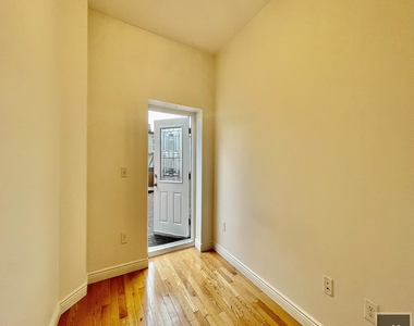 91 Macon Street - Photo Thumbnail 6