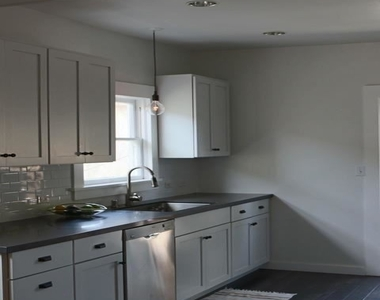 127 Brooks Ave # 1/2 - Photo Thumbnail 7