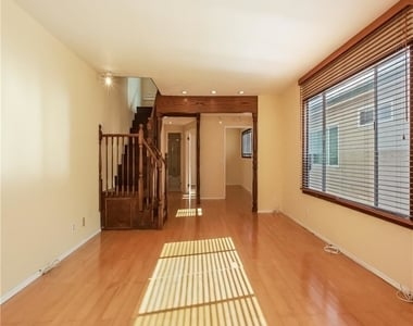 11849 Mayfield Ave Apt 103 - Photo Thumbnail 1