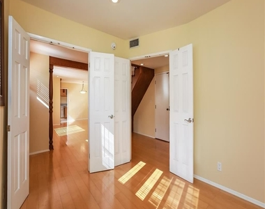 11849 Mayfield Ave Apt 103 - Photo Thumbnail 7