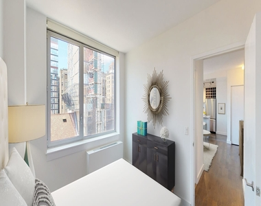 808 Columbus Avenue - Photo Thumbnail 16