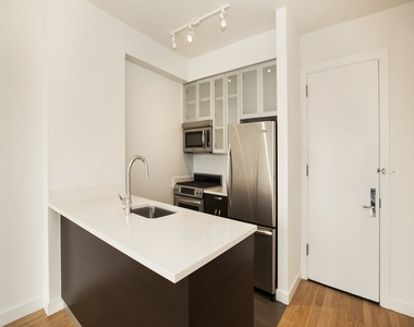 808 Columbus Avenue - Photo Thumbnail 14