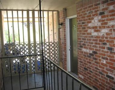 4525 Gilbert Avenue - Photo Thumbnail 2