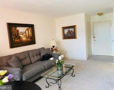 1121 Arlington Boulevard - Photo Thumbnail 15