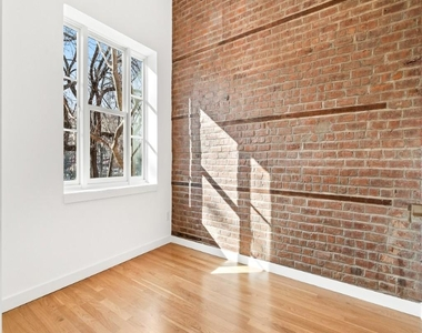 301 East 10th Street - Photo Thumbnail 11