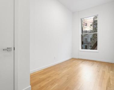 301 East 10th Street - Photo Thumbnail 9