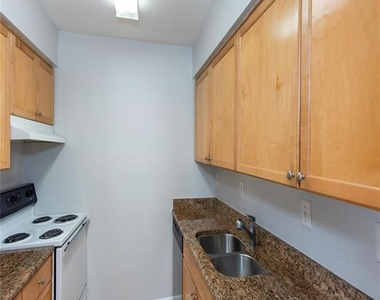 1150 Collier Road Nw - Photo Thumbnail 10
