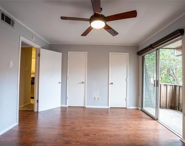 4112 Bowser Avenue - Photo Thumbnail 10