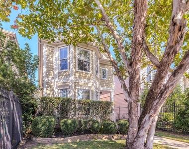 613 W 20th Street - Photo Thumbnail 2