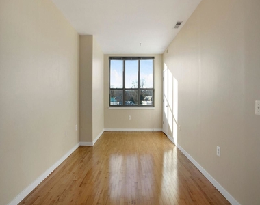3883 Connecticut Ave Nw #903 - Photo Thumbnail 5