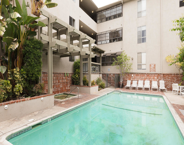 339 South Catalina Avenue - Photo Thumbnail 21