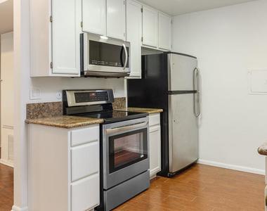 339 South Catalina Avenue - Photo Thumbnail 4