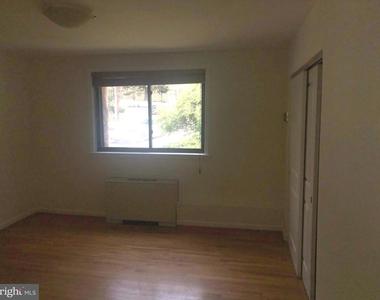 2725 39th Street Nw - Photo Thumbnail 10