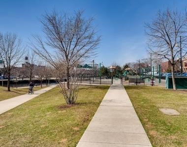 720 North Larrabee Street - Photo Thumbnail 26