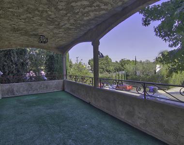 647 Hill St - Photo Thumbnail 11