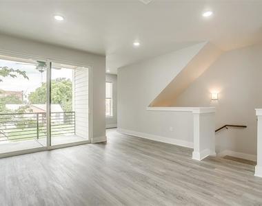 2305 Benbrook Boulevard - Photo Thumbnail 13